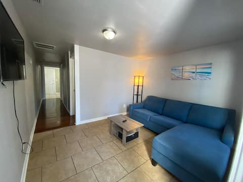 #B Newly Remodeled 3.7 miles from Clearwater Beach