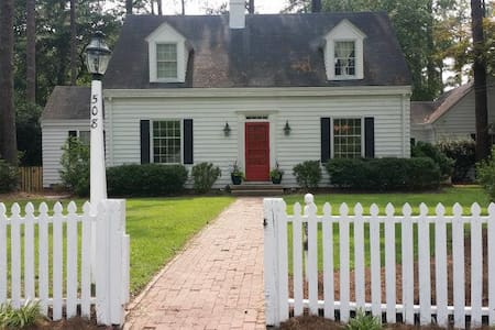 Glenn Avenue Cape Cod - Rocky Mount - Huis