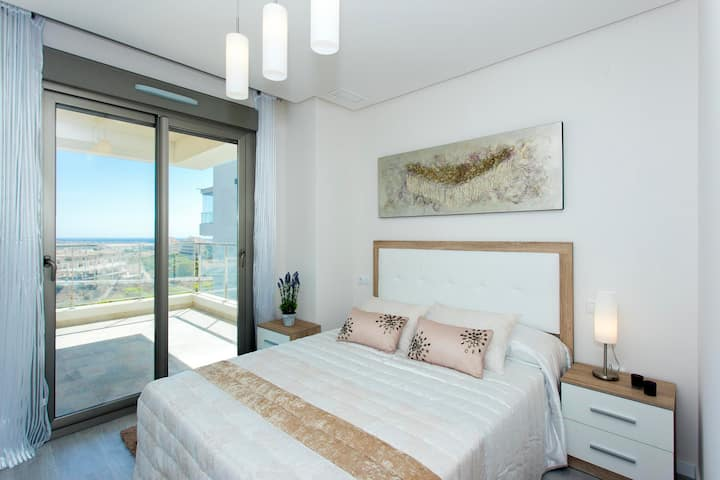 New apartment with panoramic views and heated pool