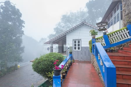 B&B Poised at an altitude of 6000 feet - Idukki