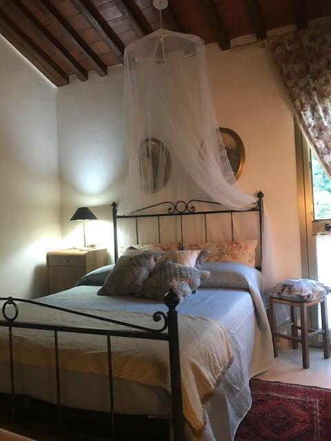 Эльф, маленький домик с садом в Тоскане