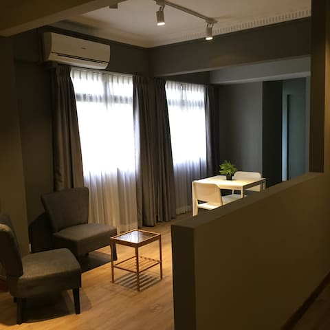 Small Cozy  Studio Room in Orchard Road (200 sqft)