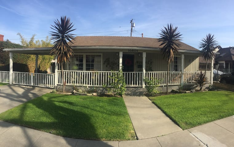 Culver City Neighborhood Home - Culver City - House