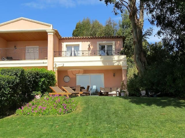 Lovely 3 bedroomed Villa with pool and sea views - Roquebrune-sur-Argens - Casa