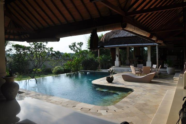Simple villa in  beautiful  surrounding in Canggu