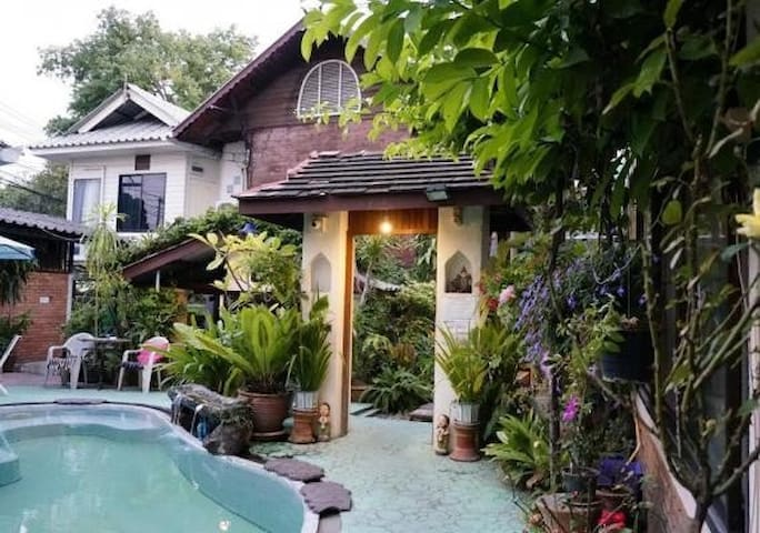 ⭐⭐⭐ Chiang Mai Home [ Old Town ] @ Thapae Gate