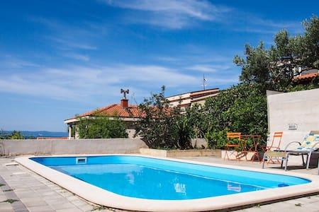 Villa Vele with pool - Makarska