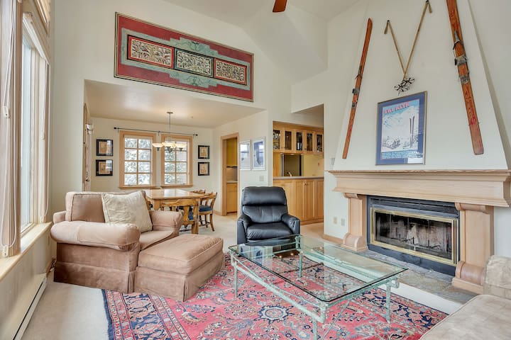 High-End Mountain Condo on Alta Slopes, Ski In/Out