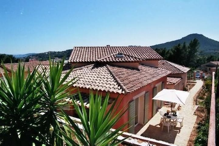 T2(2-4Pers)Climate Control,Independent, WIFI. - Carqueiranne - House