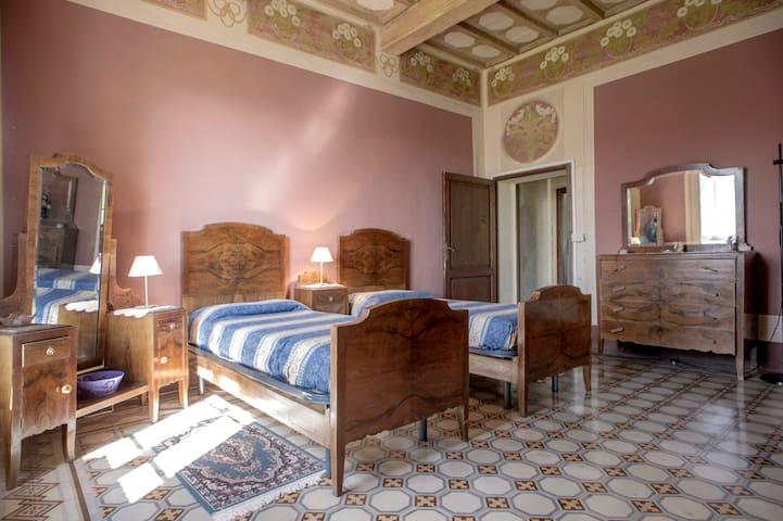 Appartamento in Villa Est 2°p
