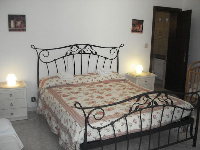Double room with private bathroom MARCO