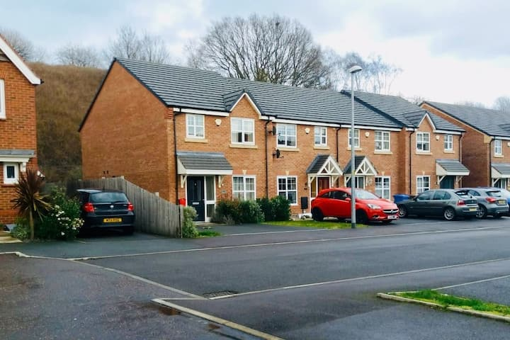 NEW 2Bedroom Townhouse Great Location Manchester