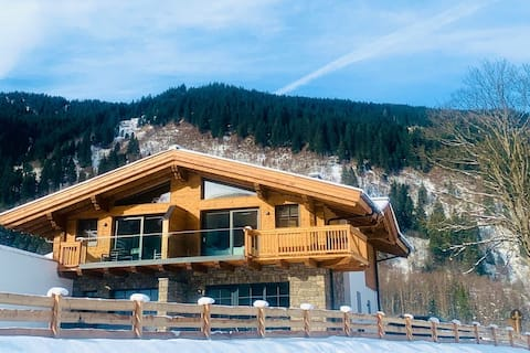 Luxurious TauernLodge with Private Wellness/Sauna
