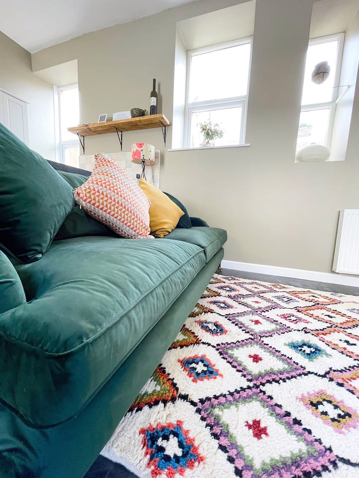 LISAS BEACH PAD - your seaside home away from home