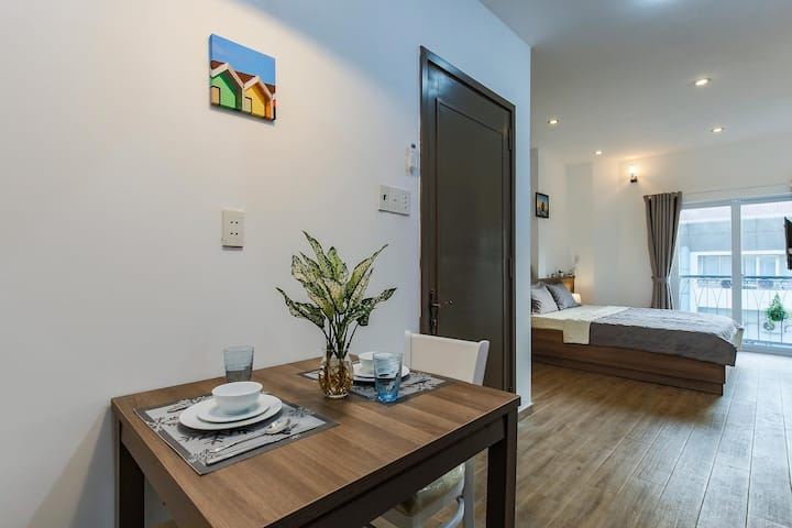 1BR Apartment - Center of Saigon District 1