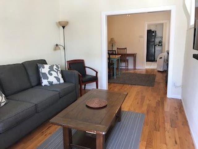 Beautiful 1 Bed / 1 Bath Unit in Wash Park West