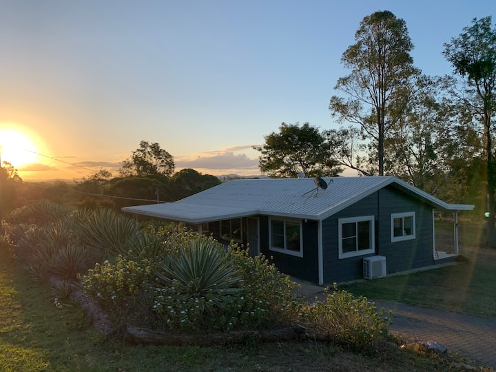 Noosa Hinterland Retreat - Mount Tuchekoi