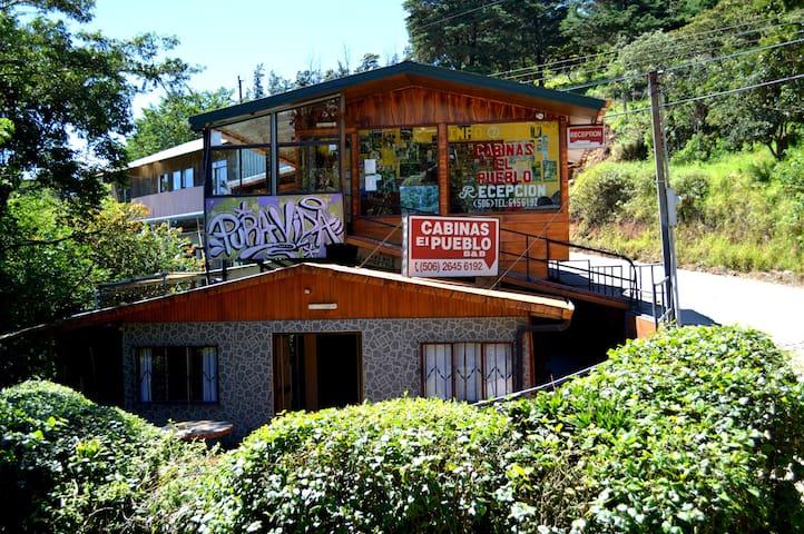 Room 6Cabinas El Pueblo en Monteverde Costa Rica!