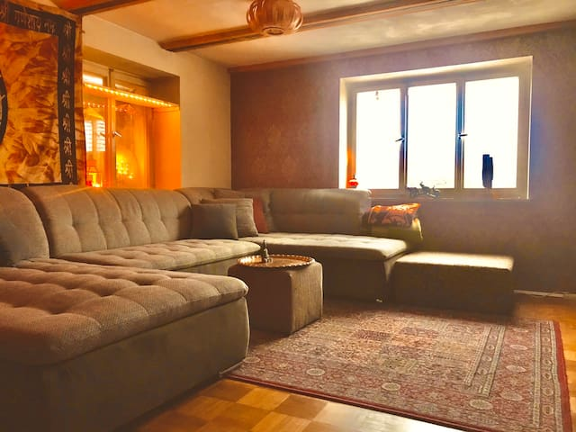 Schmuckes Zimmer in charmantem Haus mit Ausblick