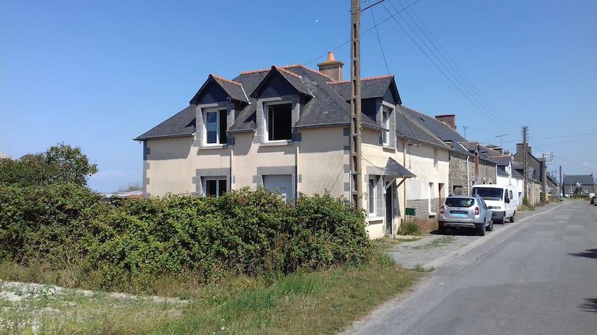 Maison dans la baie du Mont Saint Michel