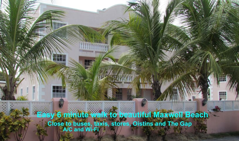 2 BR condo - walk to Maxwell Beach
