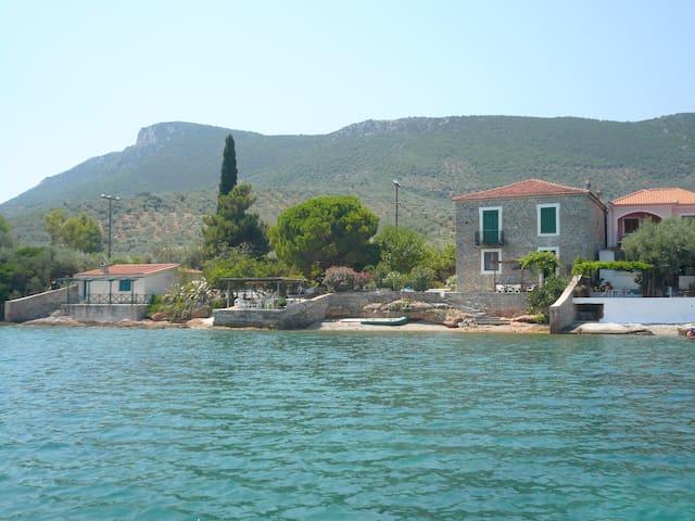 Exclusive Rustic Villa with Private Beach - Nies - Villa