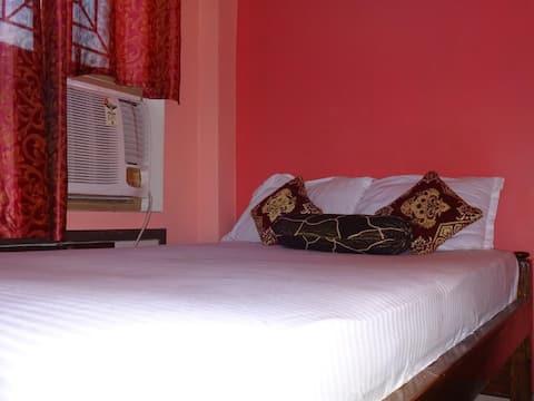 AC room@Hotel Viraat Inn (at GAYA Railway Station)