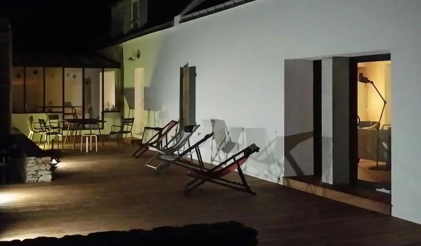 Belle longère rénovée à Sauzon - Sauzon - House