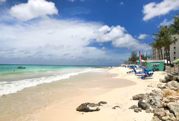 Relax under shade of mango tree & enjoy the beach