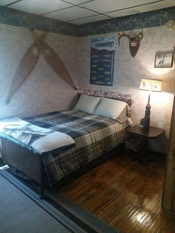 Affordable room at the Hostel B & B Double Bed - Hayward