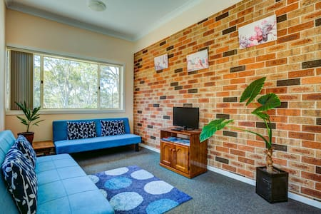 Anna's Retreat 1, sleeps 2, affordable Jervis Bay - Tomerong