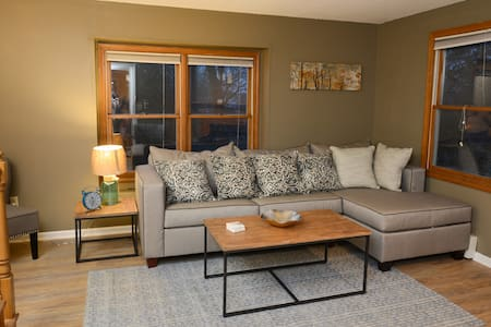 BEAUTIFUL CONDO  CLOSE TO I-91/I-84/Rt-15! - Meriden - Appartement