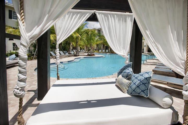 Luxury Resort Style 1 bedroom 1 Bath