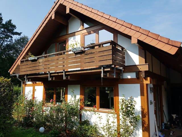 1 Zimmer vor Köln/Messe mit eigener Terrasse