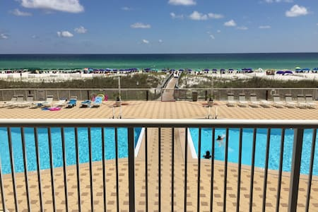 Luxury Condo on the Beach!  Sleeps 9 in comfort! - Fort Walton Beach