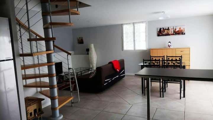 calm equiped flat of 65m² near our house with pool