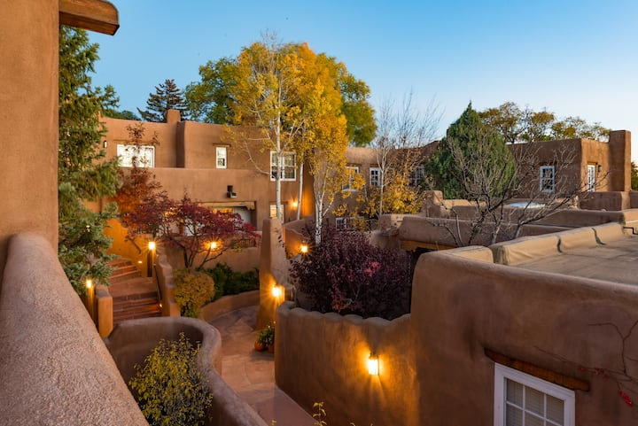 Authentic Santa Fe Home ~ Walk to the Plaza
