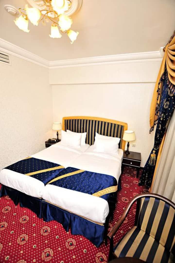 Стандартная, но очень уютная комната с 2 кроватями