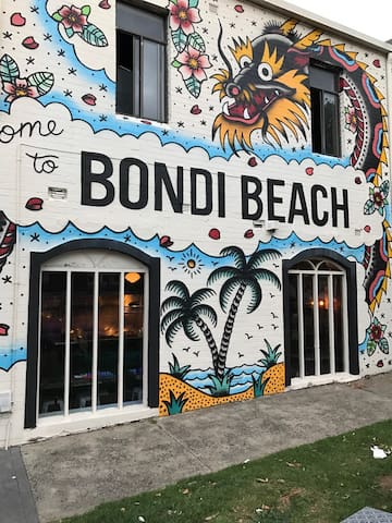 Double Room and lounge area. - Bondi - Loft