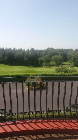 Overlooking Mount Wolseley Golf Course - Tullow - House
