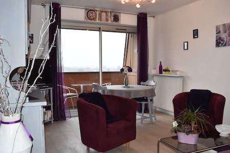Très bel appartement F2-à côté des thermes (cures) - Bagnoles-de-l'Orne