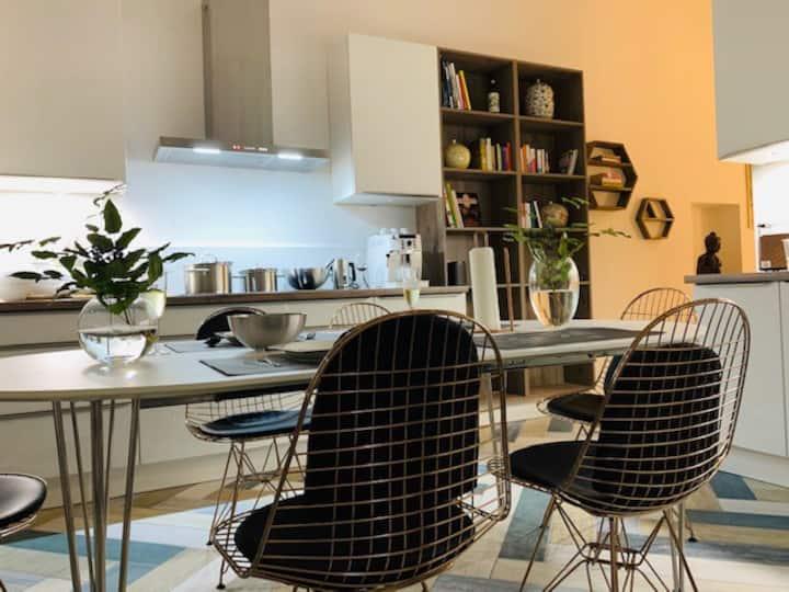 Einzigartige Designer Wohnung, 1min U+S Bahn