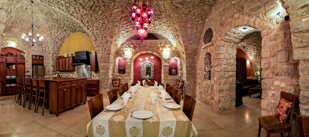 Historic Villa, Kosher Home - Safed - House
