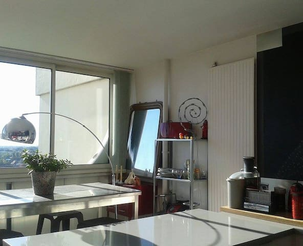 Bedroom on the 14th floor, panoramic view ! - Angers - Apartment