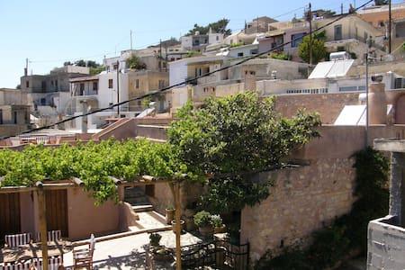 ELGRECO TRADITONAL HOUSES - Schinokapsala