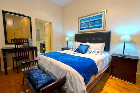 Aquamarine Guest House - Standard Double Room 5 - Mossel Bay