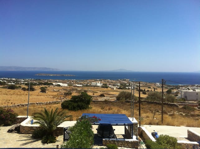Cycladic villa with view to the sea - Aspro Chorio - Huis
