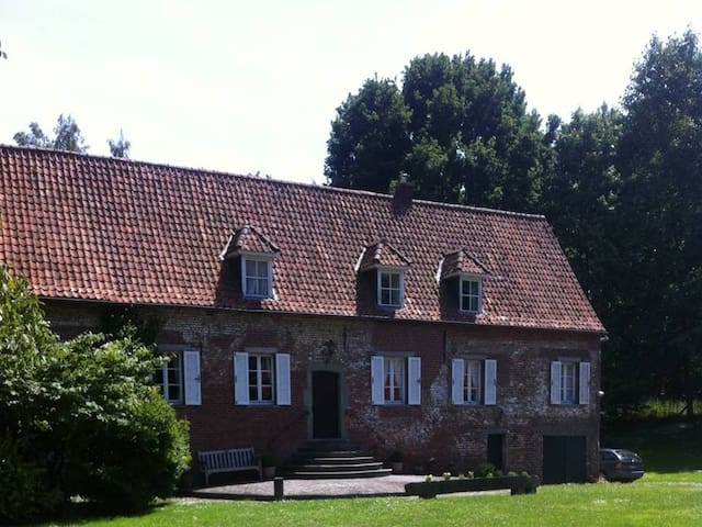 Country house 35min from Brussels