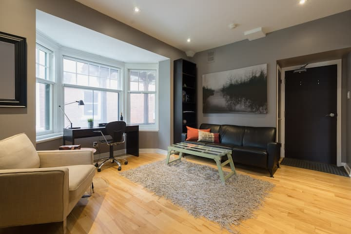 Bright Apartment (Monthly Rental)