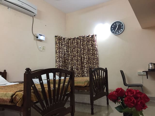 Private, Spacious, Quiet, Comfy room with balcony